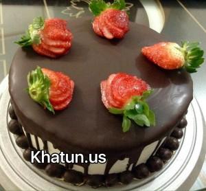 کیک تولد با روکش شکلات
